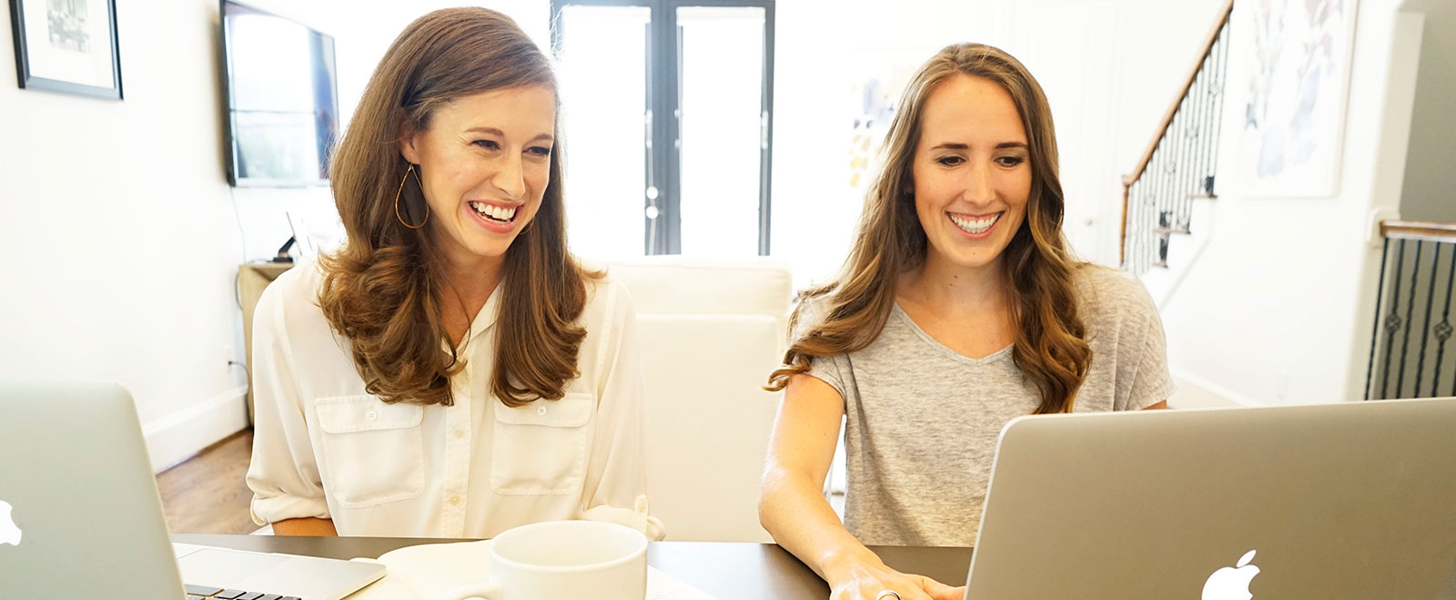 This is a picture of Lindsay Chernosky and Alexis Coutant, owners of DigitaLemonade, a website design and website development company in Houston, TX.